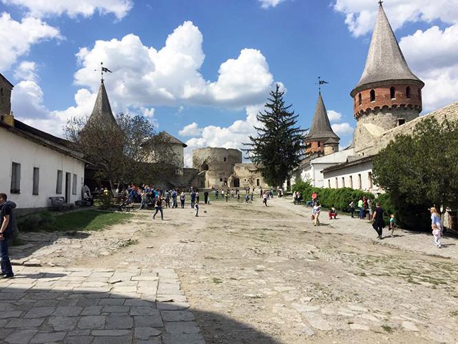 《 ロマノフ王朝の最初の都市 》_05